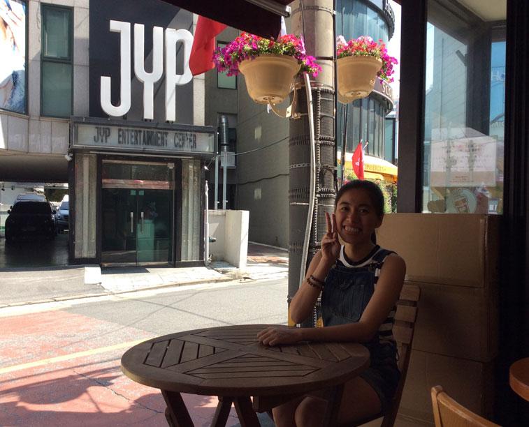 Karen Meets World Photo near JYP Entertainment Building