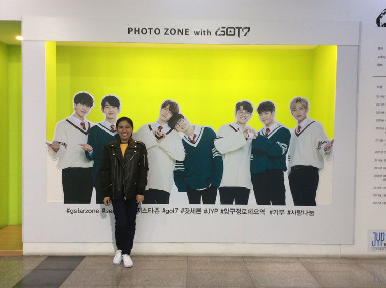 Photo-zone-with-Got7