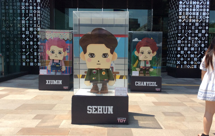 EXO Cartoon Standee