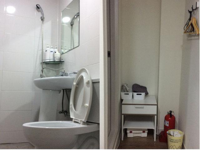 Twin-Room-Bath